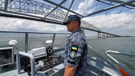 """Катера ВМСУ типа """"Island"""" всё ближе к Украине"""
