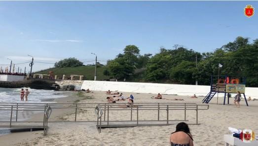 Труханов раскритиковал чиновников за плохо оборудованный пляж для людей с инвалидностью
