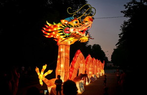 Фестиваль китайских фонарей стартовал в центре Одессы