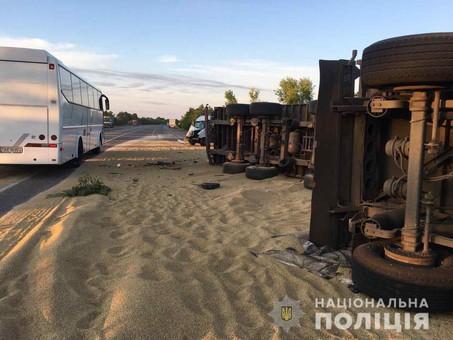 Пожар и ДТП: на Одесчине произошло два инцидента с участием фур, есть жертвы
