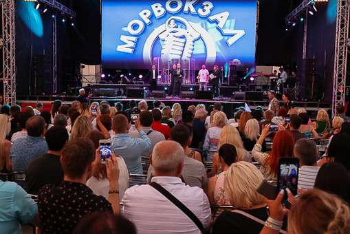 Лайма Вайкуле организует в Одессе звёздный фестиваль