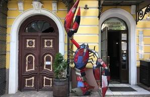 Трёхметровый рак поселился в центре Одессы