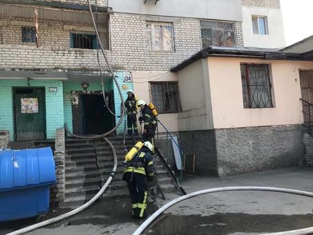 На посёлке Котовского горела многоэтажка
