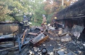 В Одессе произошёл пожар на рынке «Черёмушки»