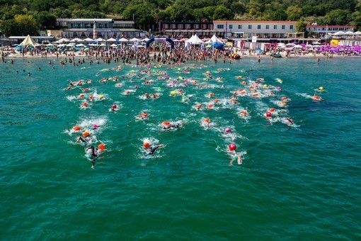 Сотни участников привлекли соревнования по плаванию Oceanman Odessa-2019