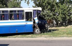 Десять пострадавших во вчерашнем ДТП под Одессой остаются в больнице