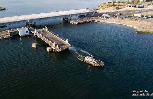 Понтонную переправу между Одессой и Черноморском начали ремонтировать