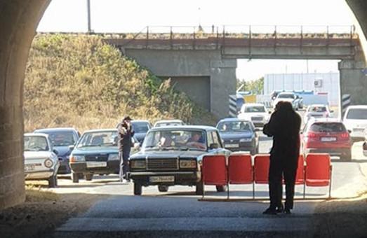 Жители Раздельнянского района в знак протеста заблокировали трассу Р-33