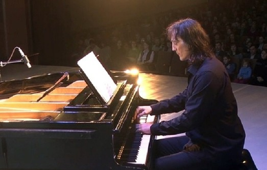 В Одессе бесплатно выступит пианист-виртуоз из Венгрии