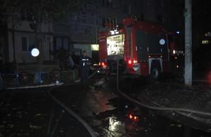Три человека госпитализированы в результате пожара в Одессе