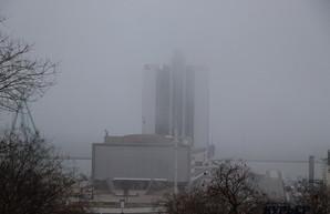 Работе аэропорта Одессы и портов юга Украины препятствует сильный туман