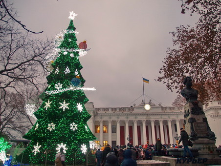 В центре Одессы нарядят главную ёлку города