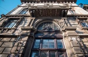 Памятник архитектуры в центре Одессы арендует компания скульптора Михаила Ревы