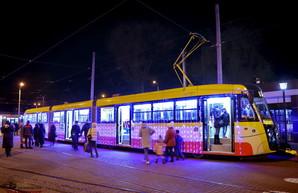 Парад рождественских трамваев прошёл в Одессе