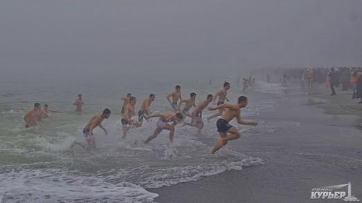 Одесситам напомнили о правилах Крещенских купаний