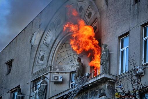Двум погибшим в пожаре в доме Асвадурова посмертно присвоены звания Героев Украины