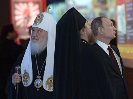 """Патриарх Кирилл, информационной атакой на """"духовника"""" Путина, ускорил процесс своего низложения"""