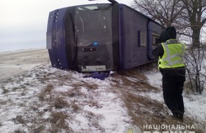 Под Одессой перевернулся автобус с пассажирами, есть пострадавшие