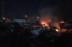 20 автомобилей сгорело в Одессе на штрафплощадке в районе Ленпосёлка