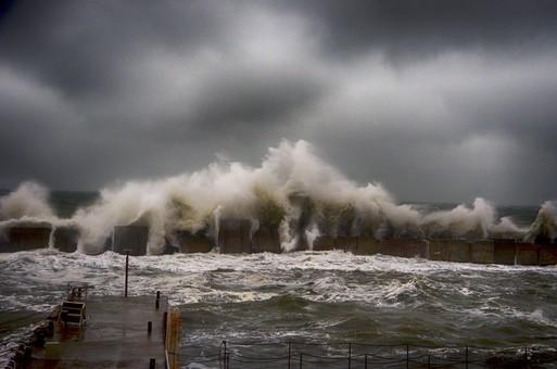 Вечером в Одессе вновь обещают штормовой ветер