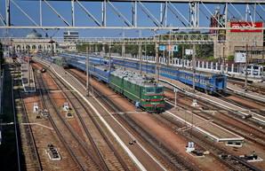 В праздничные дни  в одесском направлении назначат дополнительные поезда
