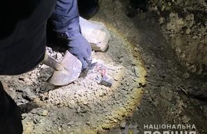 Одесские правоохранители расследуют взрыв самодельной бомбы под колёсами грузовика