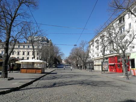 Как в Одессе борются с коронавирусом и дезинфицируют город (ВИДЕО)