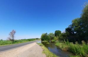 Пик наводнения на Днестре: вода начала заливать трассу Одесса-Рени