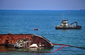 """Попытки поднять танкер """"Делфи"""" закончились неудачей: теперь это чрезвычайная ситуация"""