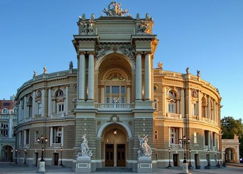 Одесская опера возвращается из карантина
