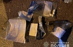 В Одессе задержали вооруженного наркокурьера
