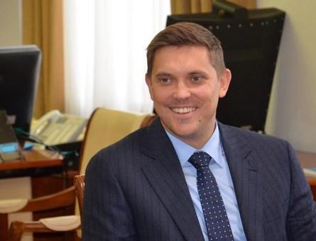 Одесский губернатор схватил корону
