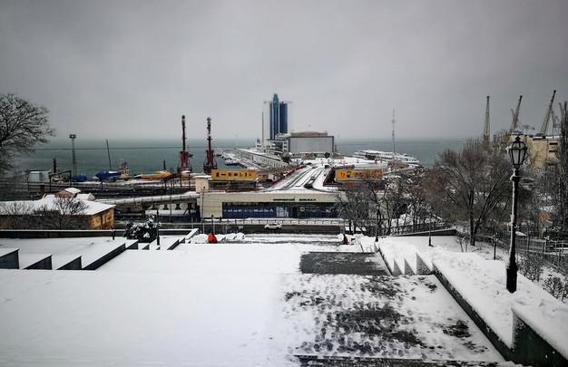 Новый катаклизм в Одессе: дети уходят на дистанционку (ВИДЕО, ФОТО)