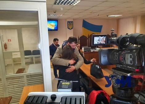 Громкое дело в тихом селе: за одесского фотографа вступились депутаты